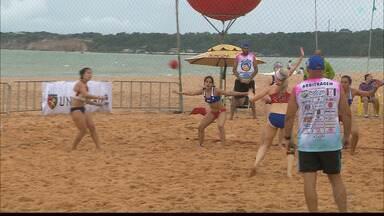 Primeiro dia de Taça Kika agita as areias da Praia do Cabo Branco - Chilenos, argentinos e norte-americanos participam do primeiro dia de disputas entre os brasileiros em João Pessoa.