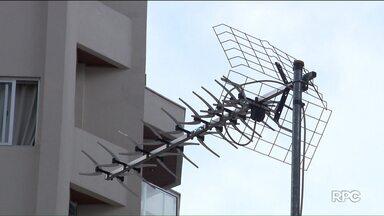 Como se preparar para receber o sinal digital - Em alguns casos é preciso comprar uma antena do modelo Log Periodic, também conhecida como espinha de peixe e o conversor digital. Sinal analógico vai ser desligado no dia 31 de janeiro.
