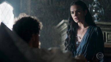 Catarina fica surpresa ao ver o marquês bem disposto - A Princesa não gosta de saber que o marquês está bem e se irrita