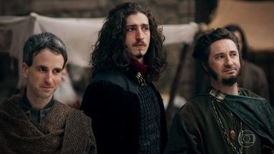 Rodolfo é saudado pelo povo - O príncipe anda pela cidade e o povo o vê como herói. Julião tenta ameaçar Rodolfo ao descobrir que sua mulher o traiu com o príncipe