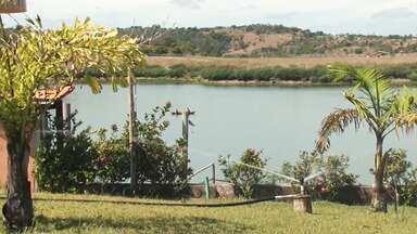 Rio Jacuípe vira atrativo da cidade de Feira de Santana, especialmente no verão - O rio nasce na Chapada Diamatina e passa por mais de 20 municípios baianos.