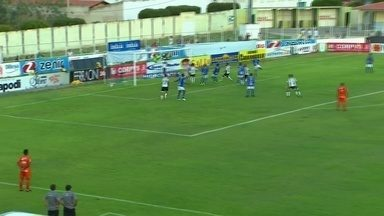 Gleibson espalma bola e salva o Iguatu de levar empate do Ceará - Gleibson espalma bola e salva o Iguatu de levar empate do Ceará.