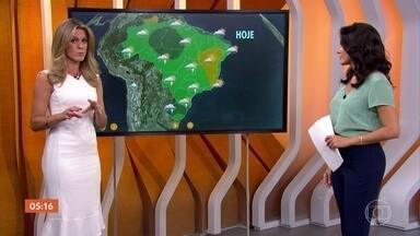 Previsão é de quarta-feira (24) quente e chuvosa em quase todo país - O alerta de chuva é principalmente para o Sul do país, porque tem uma frente fria se formando na região e já tem muitas áreas de instabilidade também. No litoral nordestino, a previsão também é de chuva.