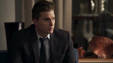 Patrick conversa com Clara sobre o assassinato de Vanessa - A neta de Josafá decide visitar Elizabeth no hospital