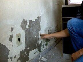 Moradores de Panorama reclamam de problemas estruturais em casas da CDHU - Conjunto habitacional foi entregue há cerca de quatro anos.