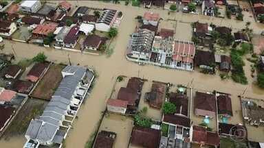 Chuva provoca estragos em Santa Catarina - É o janeiro mais chuvoso em 17 anos na capital, Florianópolis. Já aconteceram três mortes no estado.