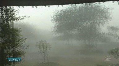Ventania assusta moradores de Santana do Cariri - Cidade registrou boas precipitações.