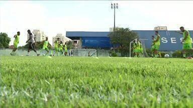 Resende intensifica treino para a 2ª rodada do Campeonato Carioca - Depois da estreia vitoriosa, elenco está confiante. Partida acontece no sábado (27) contra o Bonsucesso.