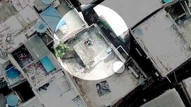 Polícia usa 'câmera espiã' para prender chefe do Jacarezinho, no Rio - Na quinta-feira (25), a Polícia Civil entrou na favela em busca dos criminosos que participaram da morte do delegado Fabio Monteiro.