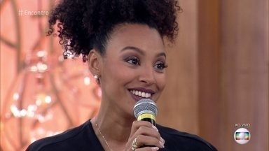 Sheron Menezes conta que é atriz por influência da mãe - Ela conta que não sabe se vai 'direcionar' o destino do filho