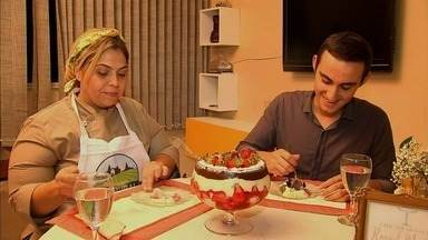 Confira a receita de uma torta de chocolate com geleia de morango - Confira mais notícias em G1.globo.com/ce