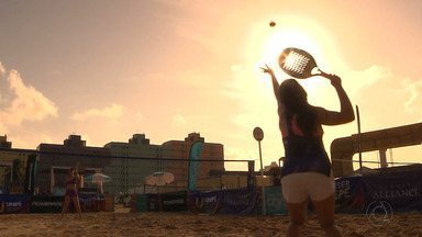 Etapa de abertura do Paraibano de Tênis de Areia agita a orla de Cabedelo - Forte calor no litoral paraibano é um desafio a mais para os tenistas. Finais acontecem neste domingo