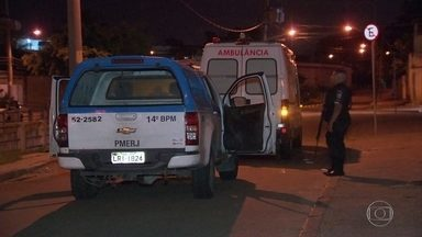 Bandidos fazem emboscada e matam homem em ambulância, no Rio - Bandidos fazem emboscada e matam homem em ambulância, no Rio.