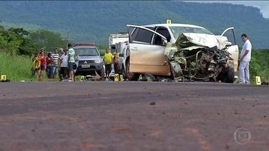Indenizações por mortes em acidentes de trânsito sobem 20% em 2017 no Brasil - As indenizações por mortes em acidentes de trânsito subiram mais de 20% no ano passado no Brasil. E a imprudência é uma das principais causas. Uma pesquisa traçou o perfil da maioria das vítimas: homens, jovens e motociclistas.