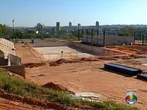 Obras do Centro Olímpico de Presidente Prudente estão inacabadas - Construção começou em novembro de 2011 e ainda segue em andamento.