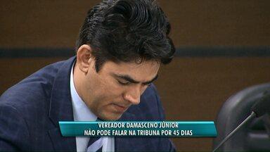 Vereador de Cascavel é penalizado e não pode se manifestar em sessão - A decisão foi tomada pela comissão de ética da casa de leis. Mesmo assim, Damasceno Júnior continuará recebendo o salário.
