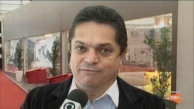 Preso, deputado João Rodrigues chega a Porto Alegre e é levado para a Polícia Federal - Preso, deputado João Rodrigues chega a Porto Alegre e é levado para a Polícia Federal
