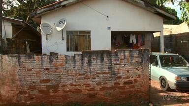 Casal é assassinado dentro de casa em Foz - Segundo a Polícia, o suspeito chegou na casa e disparou várias vezes contra as vítimas.