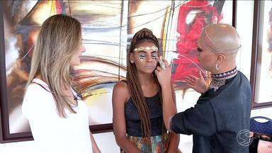Série 'Cara de Carnaval' dá dicas simples de maquiagem para os foliões - Confira 'makes' com tatuagens de mentira douradas da série.