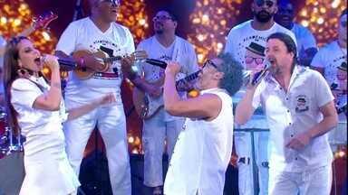 Acadêmicos do Baixo Augusta cantam 'Trem das Onze' - O grupo faz uma homenagem a Adoniran Barbosa