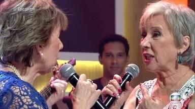 As Galvão cantam no palco do 'Encontro' - Dupla sertaneja é a mais antiga em atividade no Brasil