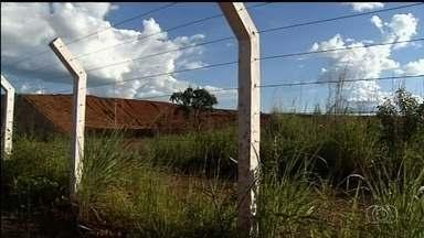 Justiça suspende parcialmente obras do Aeroporto de Cargas de Anápolis, GO - Segundo ação do MP, trabalho no local está provocando erosões e assoreamento de córrego. Prevista para ser finalizada inicialmente em 2014, construção foi orçada em R$ 321 milhões.