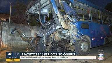 Polícia Civil deve abrir inquérito para apurar causa de acidente com ônibus no Barreiro - Cinco pessoas morreram e 16 ficaram feridos.