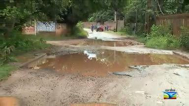 Motoristas e pedestres reclamam de estrada no Maranhão - Estrada de Ribamar sofre pela falta de infraestrutura em vários pontos.