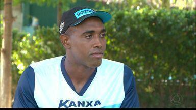 Experiente Leone é uma das armas do Altos contra o Belo - Zagueiro estava perto da aposentadoria, mas decidiu permanecer no futebol e tem se destacado pelo time do Jacaré neste início de ano