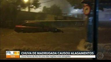 Enxurrada arrasta carro durante temporal na Vila Cosmos - Enxurrada arrasta carro durante temporal na Vila Cosmos