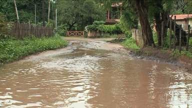 Chuva provoca estragos em comunidade em São José de Ribamar - Ruas inteiras ficaram alagadas na comunidade Laranjal e moradores não tiveram como passar na região.