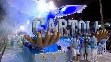 Acadêmicos da Cartola é campeã do carnaval de Bauru - Escola levou para o Sambódromo o enredo sobre a importância das mãos. Jogadora Tiffany do Vôlei Bauru desfilou na escola e foi destaque do bloco campeão, o Pé de Varsa.