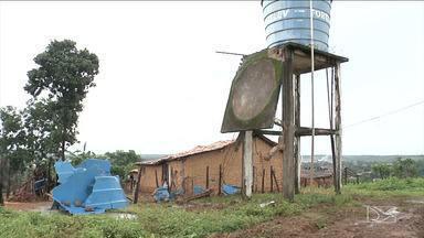 Caixa d'água desaba e espalha 15 mil litros de água em bairro de Codó - Ninguém ficou ferido com o incidente.
