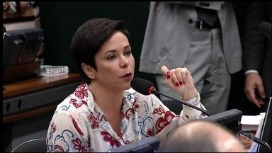 PTB desiste de indicar Cristiane Brasil para o Ministério do Trabalho - Depois de 48 dias de polêmicas, PTB desiste de indicar Cristiane Brasil para o Ministério do Trabalho.