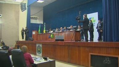 Justiça do AP suspende sessão que avalia cassação do deputado Moisés Souza - Votação que começou às 9h30, foi interrompida às 12h desta terça-feira (20). Parlamentar impetrou mandado de segurança que foi acatado pelo juiz Eduardo Contreras.