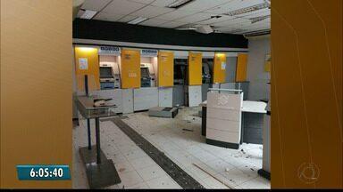 Vinte homens fecham entrada de cidade e explodem banco na Paraíba - Crime foi durante a madrugada em Salgado de São Félix.