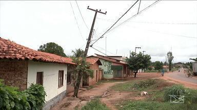 Postes correm o risco de desabar em Timbiras - No mês passado, um poste caiu e matou uma pessoa.