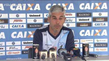 Com muitas mudanças, Londrina encara o Ceará - Para passar pelo difícil adversário da Copa do Brasil, técnico Ricardinho faz diversas alterações no Tubarão
