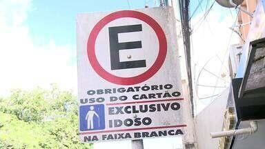 Estacionamento exclussivos para idosos e pessoas com deficiência é implantado em Arapiraca - O repórter Tony Medeiros traz mais informações sobre o assunto.