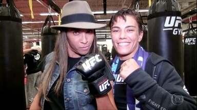 Craque Marta visita lutadora Jéssica Andrade, do UFC - Craque Marta visita lutadora Jéssica Andrade, do UFC