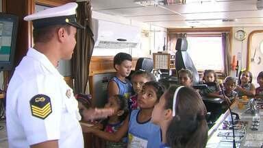 Navios são abertos para visitas na semana dos 100 anos da Marinha em Santarém - Os navios estão ancorados no porto da Companhia Docas do Pará (CDP).