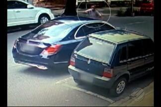 Vídeo mostra momento em que um homem reage a um assalto no Umarizal - O assaltante morreu no local da tentativa de assalto.