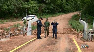Balsa que atravessa Rio Iguaçu volta a funcionar - Balsa liga municípios de Porto Vitória e União da Vitória