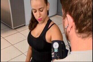 Há um mês em vigor, lei obriga academias a aferirem pressão de alunos em Divinópolis - Lei nº 165 foi aprovada em dezembro de 2017. Médico alerta para outros fatores que devem ser considerados por hipertensos.