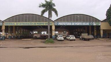 Comerciantes que trabalham em antigo terminal reclamam da queda de vendas - José Gadelha.