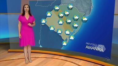 Tempo: possibilidade de chuva isolada no nordeste do RS - Assista ao vídeo.
