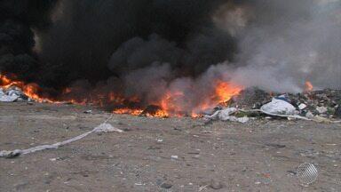 Destaques do dia: incêndio atinge galpão de materiais recicláveis em Feira de Santana - Veja outros fatos que marcaram a segunda-feira (26).