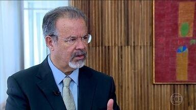 Novo ministro da Segurança Pública vai tomar posse nesta terça-feira (27) - Raul Jungmann, atual ministro da Defesa, vai conduzir a integração e coordenação de todo o sistema de segurança do país.