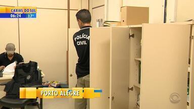 Operação investiga desvio de dinheiro pago por unidades habitacionais em Porto Alegre - Conforme a polícia, pagamentos eram parcialmente desviados para contas bancárias de servidores do Demhab, e de terceiros.