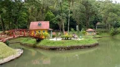 Conheça o Parque Crémerie, um dos pontos turísticos da Cidade Imperial, no RJ - Assista a seguir.